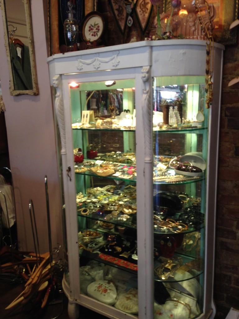 Olive's Very Vintage