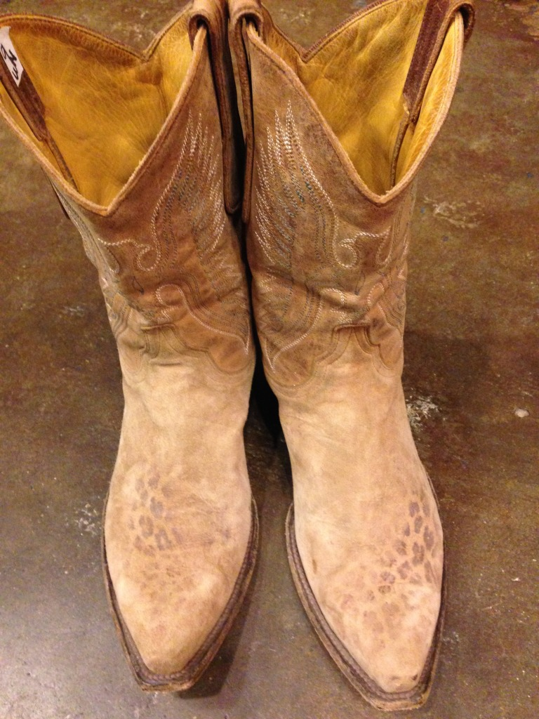 The coolest vintage cowboy boots at Leighhelena
